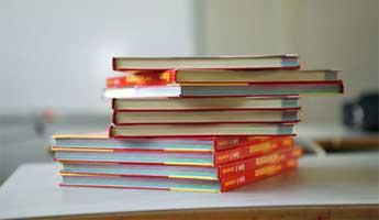 Certains manuels scolaires manquent à l'appel